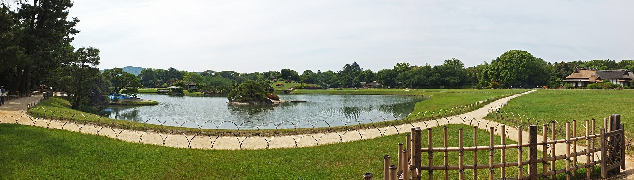 s-20150528 後楽園今日の寒翠から眺めた園内沢の池ワイド風景 (1)