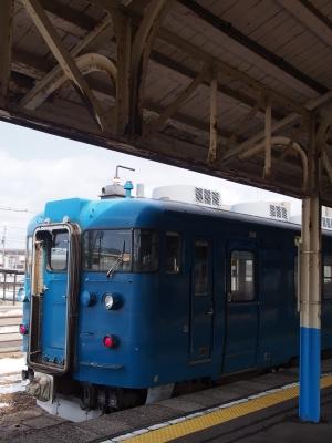 直江津駅 413系