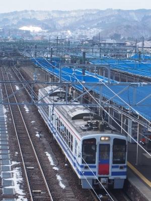直江津駅 HK100