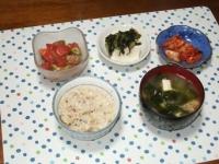 5/27 夕食 マグロとアボカドのタルタル、冷奴、キムチ、あさりの味噌汁、鯛めし