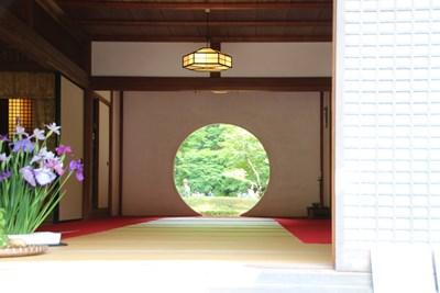 6/6 鎌倉 明月院 本堂の丸窓(悟りの窓)