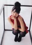 AKB48 柏木由紀 セクシー しゃがみ ストッキング 上目遣い カメラ目線 お団子ヘア 高画質エロかわいい画像8737