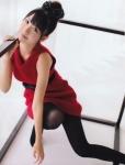 AKB48 柏木由紀 セクシー しゃがみ ストッキング 上目遣い カメラ目線 お団子ヘア 某握り 挑発ポーズ 高画質エロかわいい画像8738