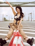 AKB48 倉持明日香 セクシー タンクトップ 巨乳おっぱいの谷間 脇 ピース 誘惑 高画質エロかわいい画像8838