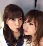AKB48 小嶋陽菜 永尾まりや セクシー チョコ咥え 顔アップ カメラ目線 誘惑 高画質エロかわいい画像8856
