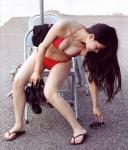 AKB48 倉持明日香 セクシー ビキニ水着 巨乳おっぱいの谷間 太もも 挑発ポーズ 高画質エロかわいい画像8906