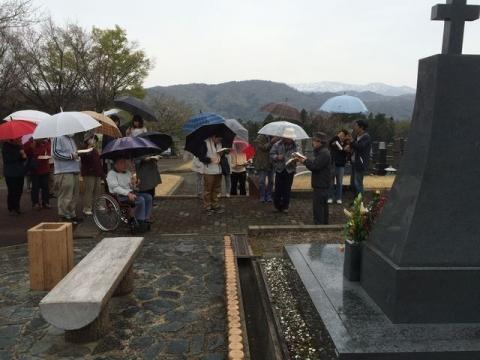 2015-04-19陣場霊園での墓前礼拝S
