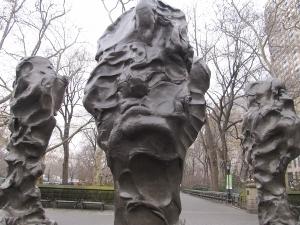 セントラルパーク東南角彫刻群 (2)