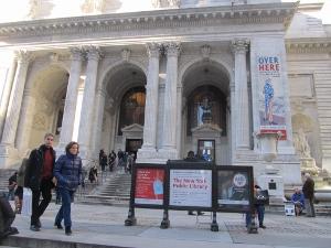 ニューヨーク公共図書館正面