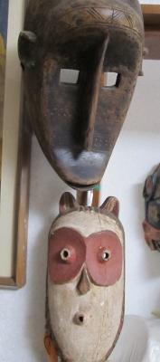 わが家にあるアフリカで手に入れた動物仮面