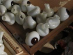 ゲテモノ店で売られている目玉