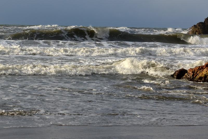 日本海波高し-1