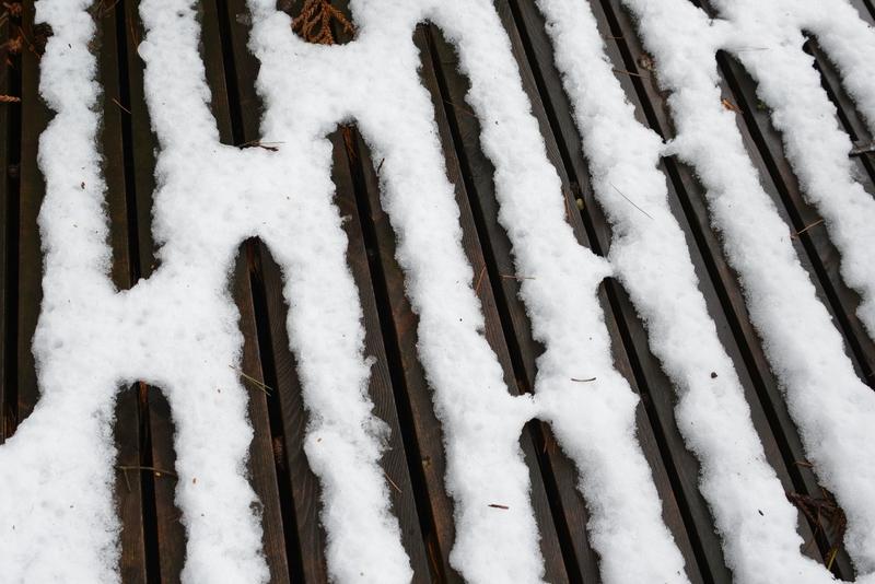 デッキの雪-4