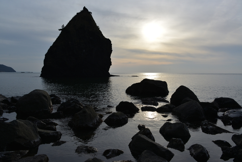 穏やかな海 立岩-2