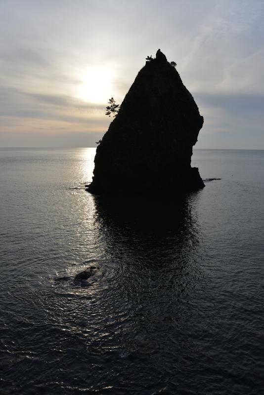 穏やかな海 立岩-3
