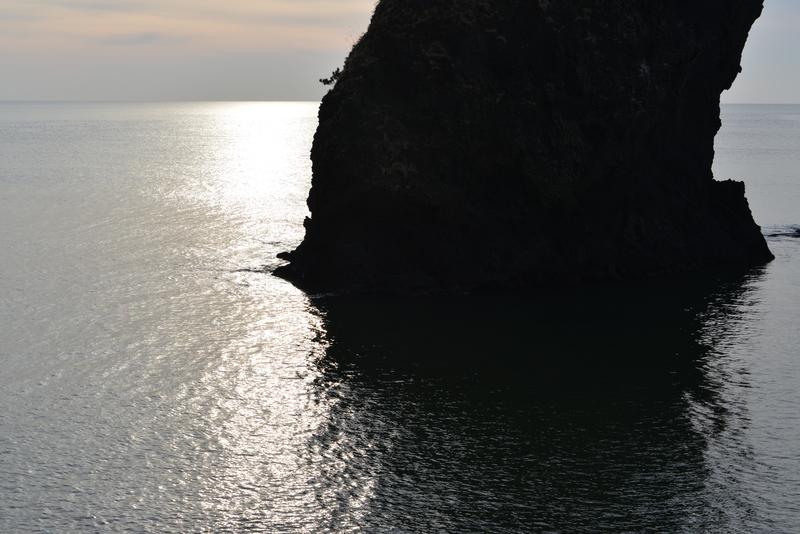 立岩の光-1