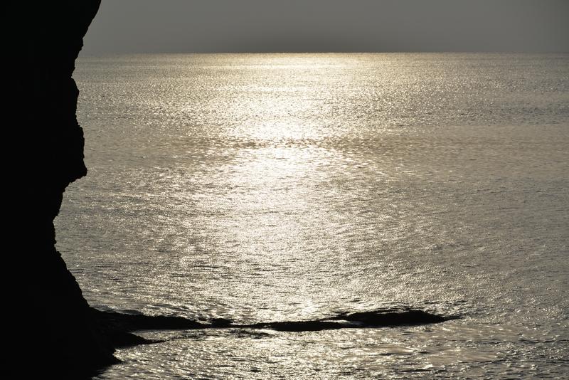 立岩の光-4