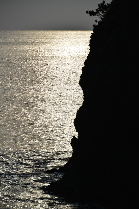 立岩の光-5
