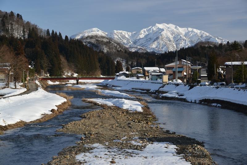 加茂川と粟ヶ岳-1