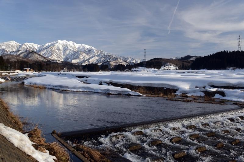 加茂川と粟ヶ岳-2