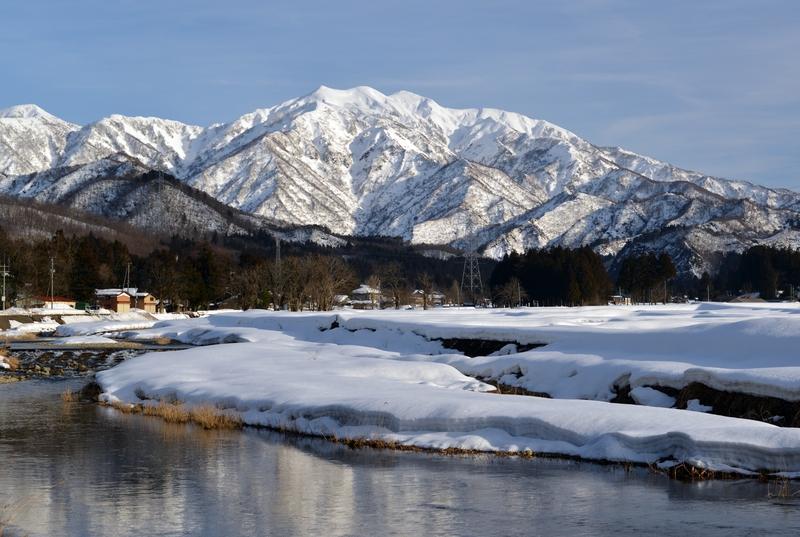 加茂川と粟ヶ岳-3