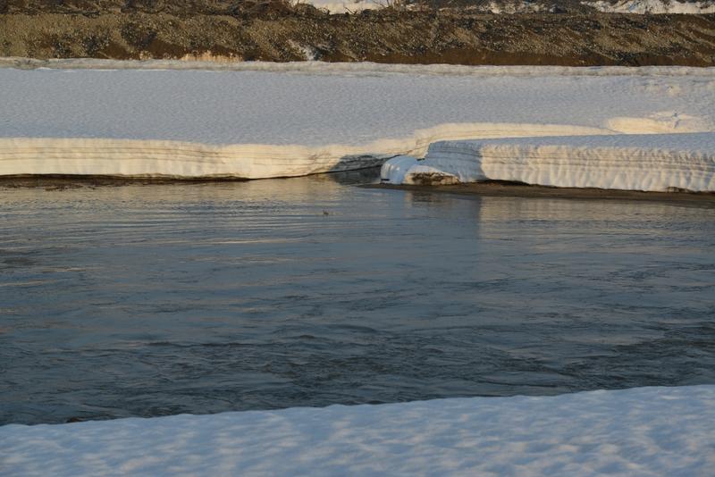 雪解け進む川-4
