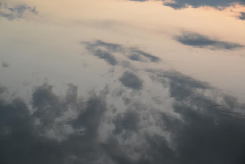 夕暮れ時の水面-3