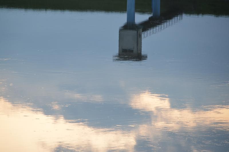 夕暮れ時の水面-4
