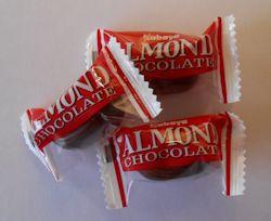 アーモンドチョコ02