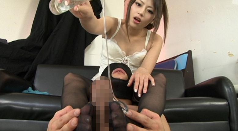 激☆足コキ 美脚でM男汁の生搾りの脚フェチDVD画像2