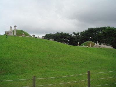イ・ガクの墓 2