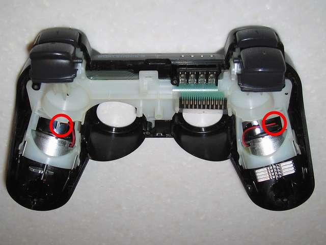 DS3 Dualshock3 デュアルショック3 Wireless Controller Black CECHZC2J A1 切断した振動バッテリーのリード線に絶縁処理したビニテープが剥がれてしまったので、絶縁処理は諦め電子回路基板に接触しないような配線向きにする