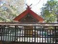 塚崎神明社 三社殿 左横から