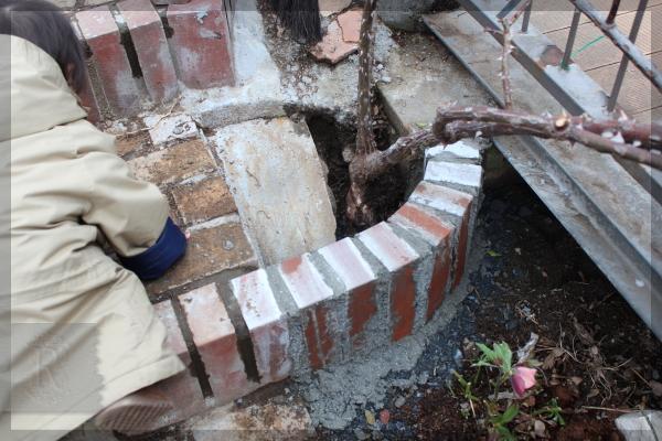 庭づくり DIY 橋の下 階段脇 20150310