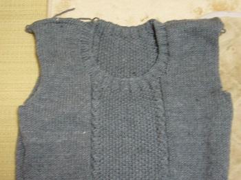 グレーのセーター見頃完成