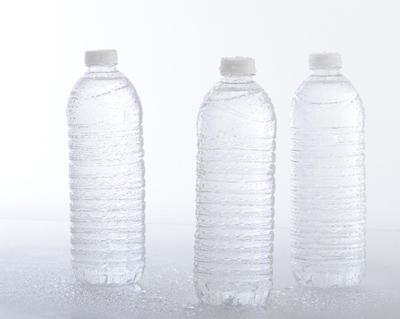 3リットルペットボトル画像