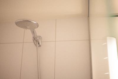 浴室内のシャワーヘッド