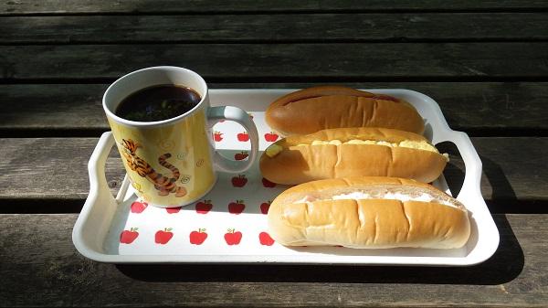 山小屋の朝食