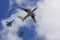 Su-34戦闘爆撃機(空中給油デモ)