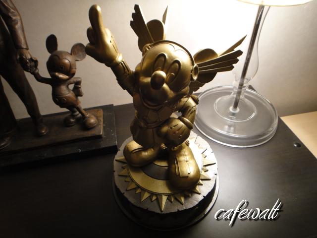 東京ディズニーランド ミレニアムブロンズ像 時の使者 1
