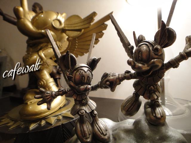 東京ディズニーランド ミレニアムブロンズ像 時の使者 9