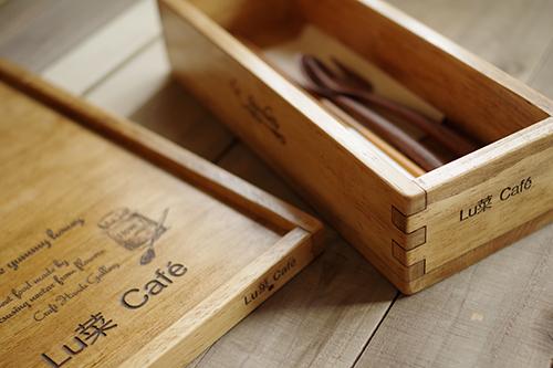 ナチュラルな木製キッチン雑貨