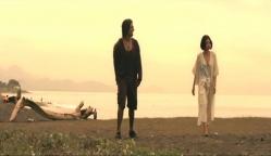 一緒に海を歩く