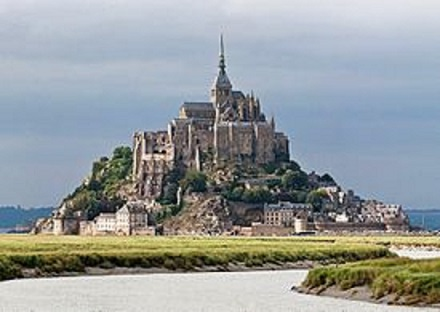 275px-Mont_St_Michel_3,_Brittany,_France_-_July_2011[1]