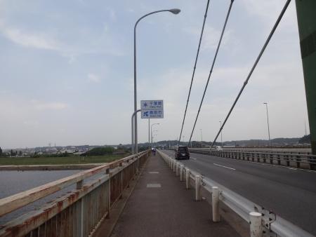 037水郷大橋を渡って、千葉県香取市に