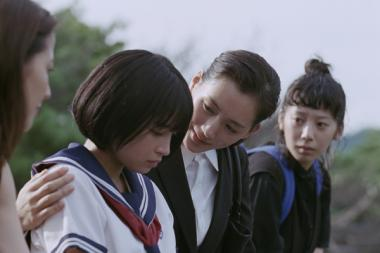 是枝裕和 『海街diary』 幸はすずに鎌倉の家で一緒に暮らすことを提案する。