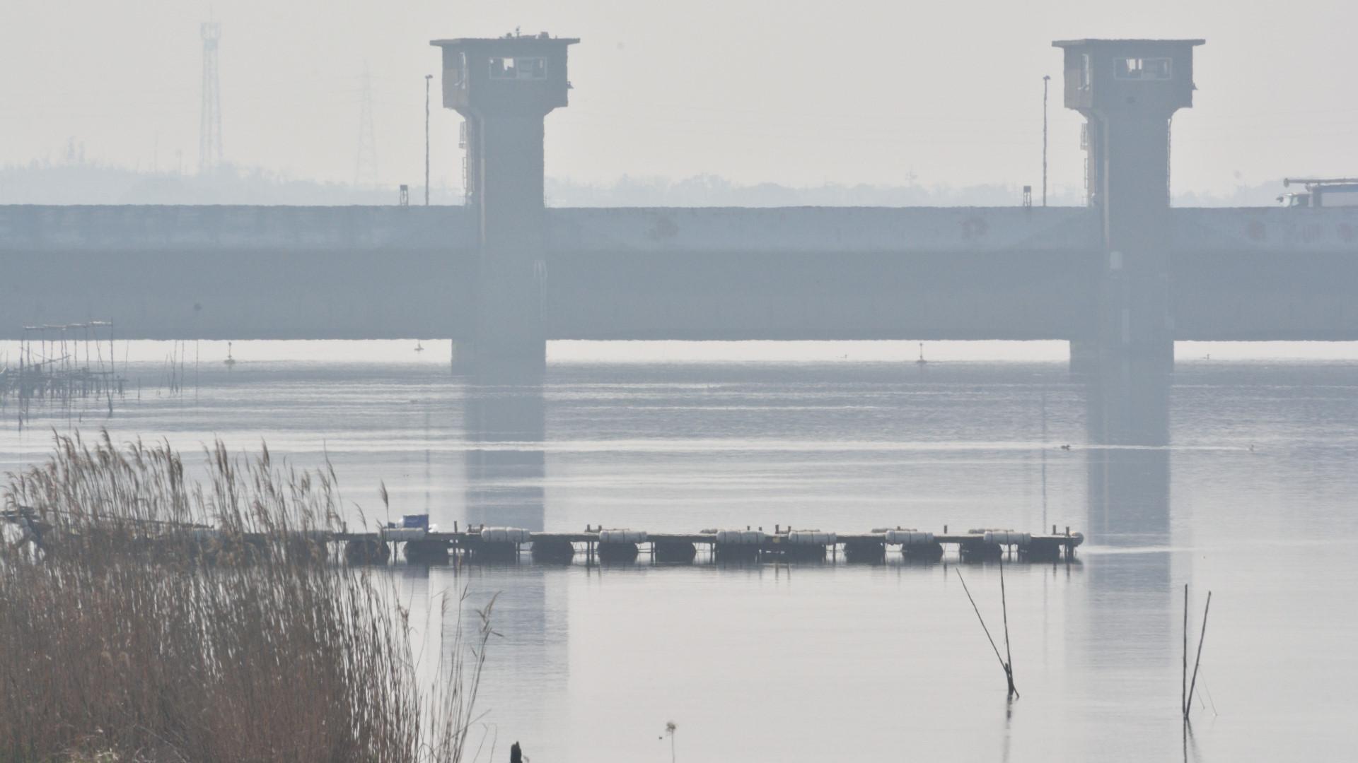 春霞、常陸川水門は季節の開放