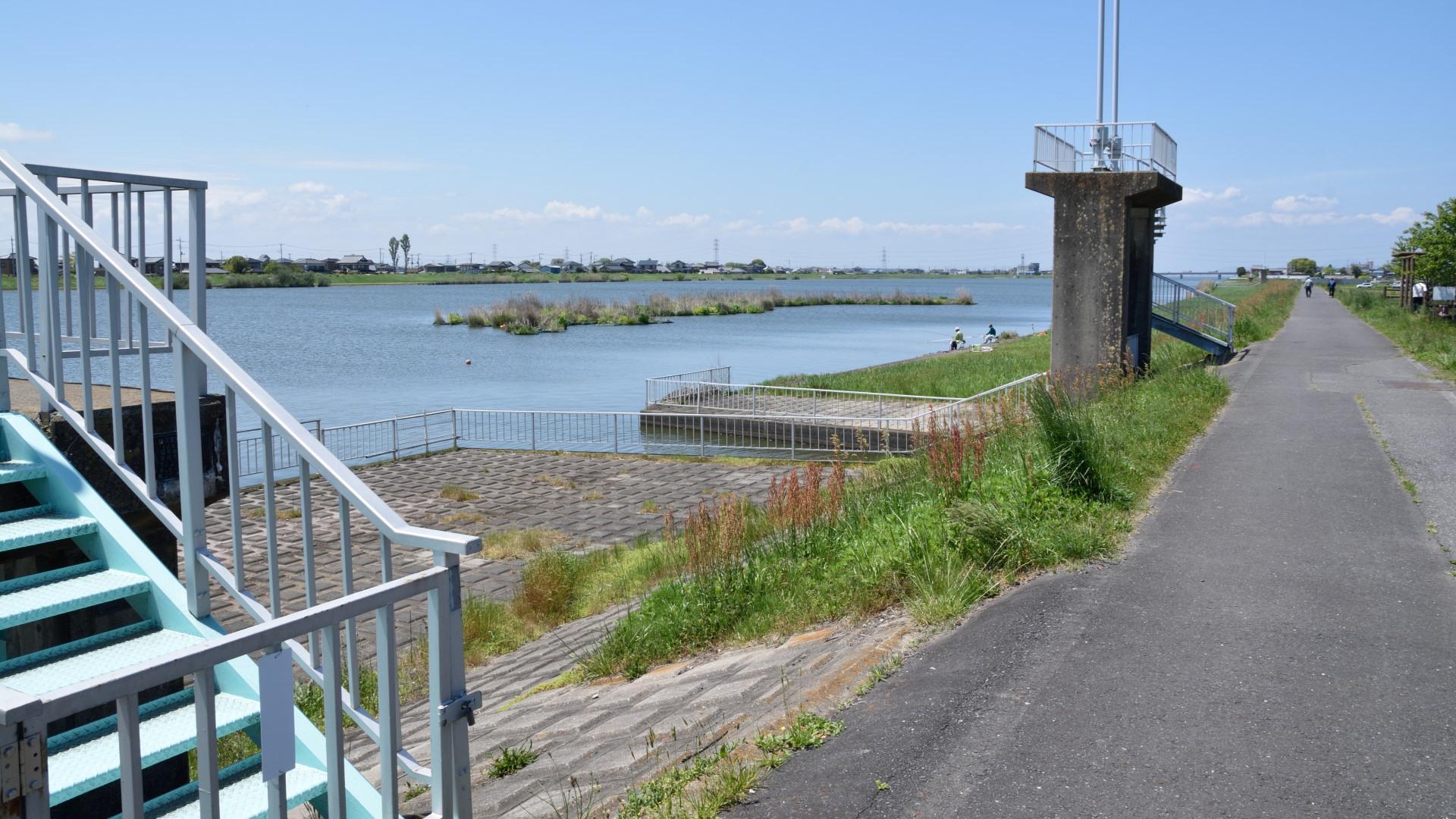 常陸利根川左岸から見る北利根橋