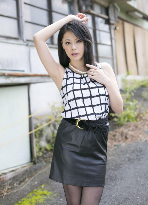 AV女優 愛田奈々 オナニー画像 熟女 人妻 まんこ画像 エロ画像 無修正016a.jpg