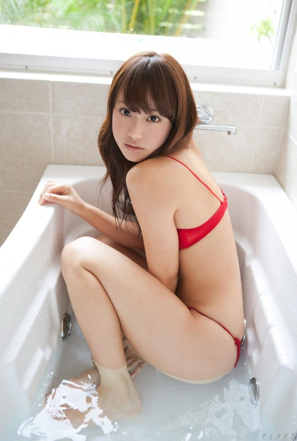 グラビアアイドル  麻倉みな ヌード画像 美脚 エロ画像046a.jpg